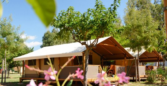 location lodges kenya exterieur camping moulieres