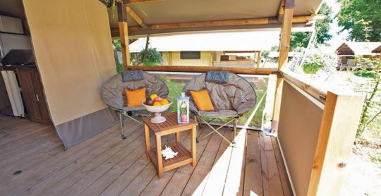 location lodges kenya coin terrasse camping moulieres