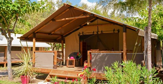 location lodges kenya exterieur 2 camping moulieres